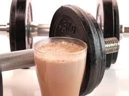 Moet je direct na het trainen een eiwit shake drinken?